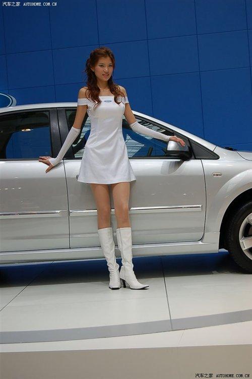 【图】美女对对碰!台湾和大陆福特模特对比 汽