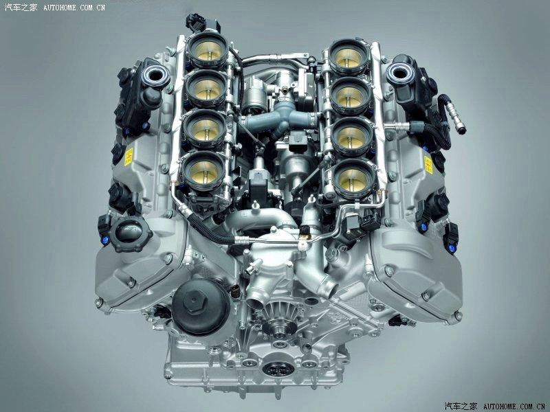2升直列六缸汽油发动机,换上了v8发动机.这台全新的4.