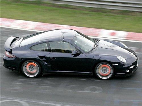 赛道上的全力冲刺 新款911 Turbo曝光 汽车之家
