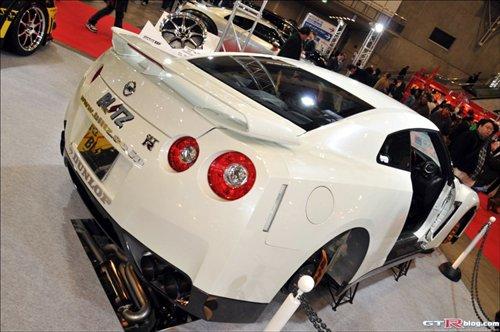 日产GT-R改装版车型BLITZ亮相日本东京 汽车之家