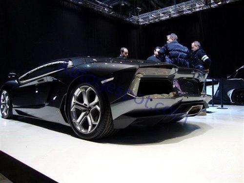 兰博基尼Aventador LP700-4实车亮相