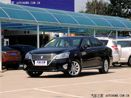 皇冠2012款 v6 2.5l royal saloon尊贵版