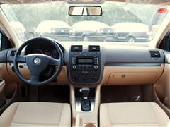 汽车之家 一汽-大众 速腾 1.6l自动天窗版