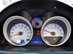 雪佛兰 上汽通用五菱 乐驰 2010款 1.2 运动版优越型