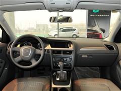 奥迪 壹汽奥迪 奥迪A4L 2011款 1.8 TFSI 舒坦型
