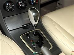 比亚迪 比亚迪 比亚迪l3 2011款 锋畅版 1.8自动尊贵型