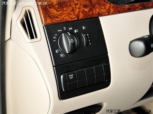 汽车之家 福建奔驰 唯雅诺 2011款 2.5L 领航版